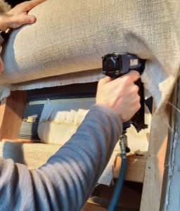 Tapizando el sofá