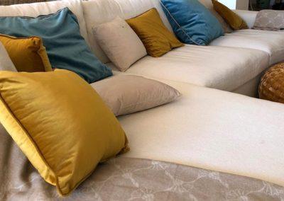 Proyectos interiorismo sofá cojines - Tapicerías Hernández
